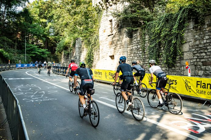 Ronde voor wielertoeristen op het parcours.