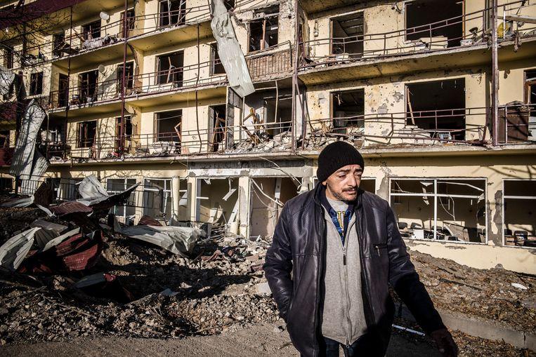 De strategisch belangrijke stad Sjoesja werd hevig gebombardeerd. Beeld OLIVIER PAPEGNIES
