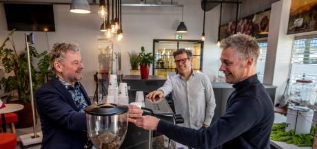 Meer kans op een goede baan dankzij deze koffiebar: 'Moeten wennen weer acht uur op een dag in de benen zijn'