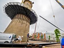 Bijzondere renovatie molen: de roeden komen per schip, want de straatjes in Delfshaven zijn te smal