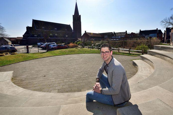 Nispen - 20210330 - Pix4Profs / Peter van Trijen. Jong in... Bent van Hassel in het openluchttheater