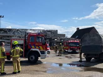 Uitslaande brand bij bedrijf door slijpwerken: veel materiële schade