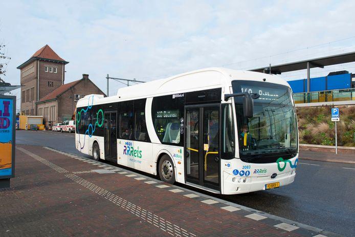 Een van de nieuwe elektrische bussen van Keolis die sinds december in Oost-Nederland rijdt.