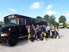 Met de schoolbus langs bij bedrijven in Land van Cuijk en Gennep op zoek naar werk