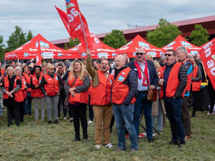 FNV-ers demonstreerden in mei al tegen dreigende ontslagen bij de vakbond