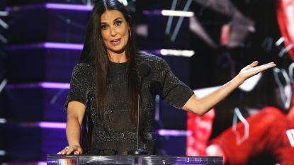 Demi Moore verbaast publiek met scherpe grap over Harvey Weinstein