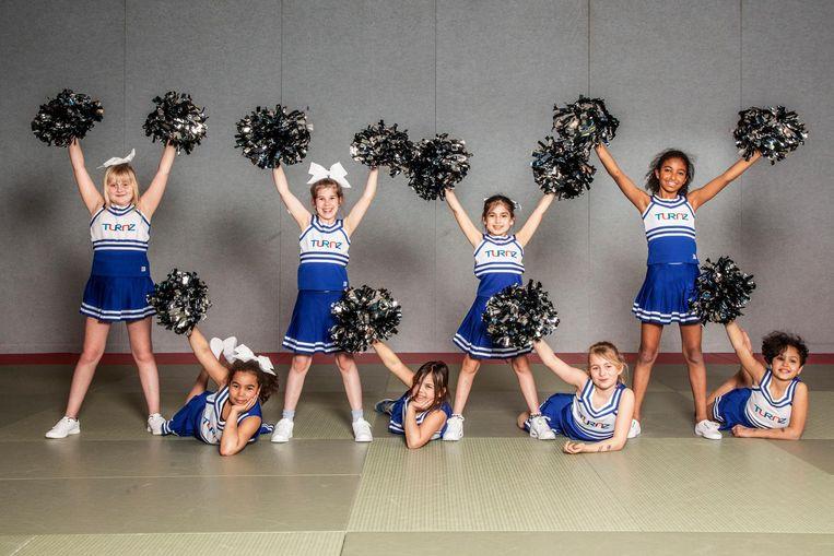 (Vlnr) Lisa (9), Dianty (9), Tess (9), Holly (8), Amapola (11), Danie (9), Claire (9) en Sonali (9), team Sparklers, van turn- en gymnastiekvereniging Turnz Beeld Ernst Coppejans