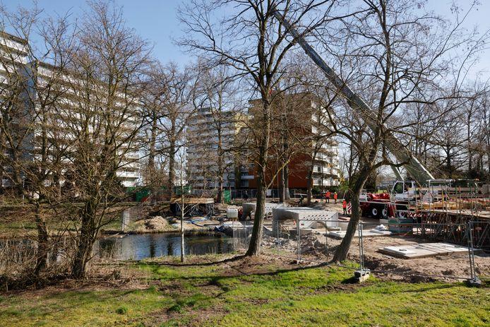 Zwanenveld is de eerste Dukenburgse wijk die aan het warmtenet wordt gekoppeld
