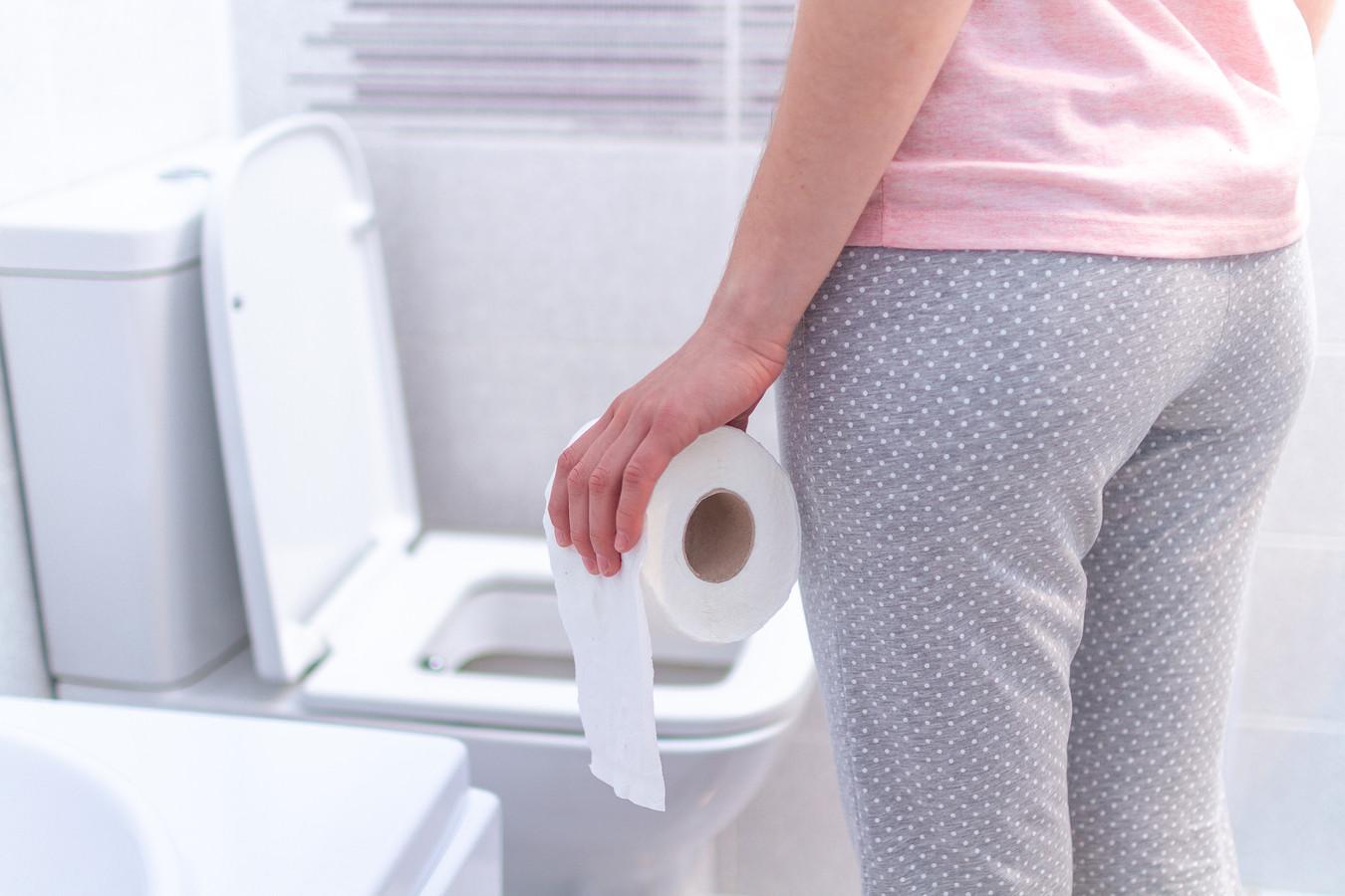 Vier tips van Marja Middeldorp voor in de wc: de wc-rol moet met het velletje naar je toe hangen.