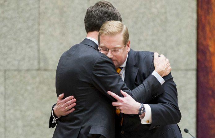 Begin dit jaar moest ook VVD'er Ard van der Steur opstappen als minister. Hennis is de zevende bewindspersoon in kabinet-Rutte II die het veld moet ruimen: een record.