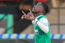 Richie Musaba maakte beide doelpunten voor Dordrecht.