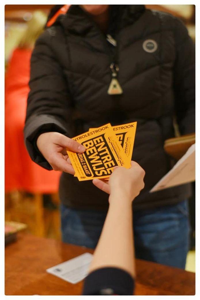 De Rossumdaerpers in Vaassen gaat persoonlijke entreekaarten verkopen. Hiermee wil de carnavalsvereniging voorkomen dat tickets voor woekerprijzen worden doorverkocht.