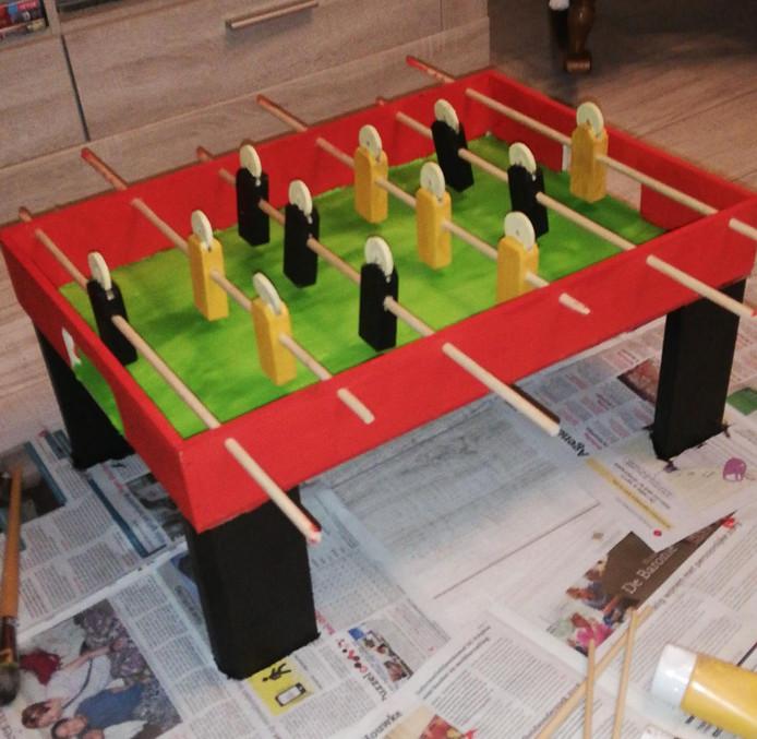 Sint-surprise: de voetbaltafel van Kelly.