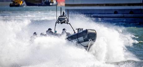 Drie mensen opgepakt vanwege levensgevaarlijke mensensmokkel met opblaasbootjes over Kanaal