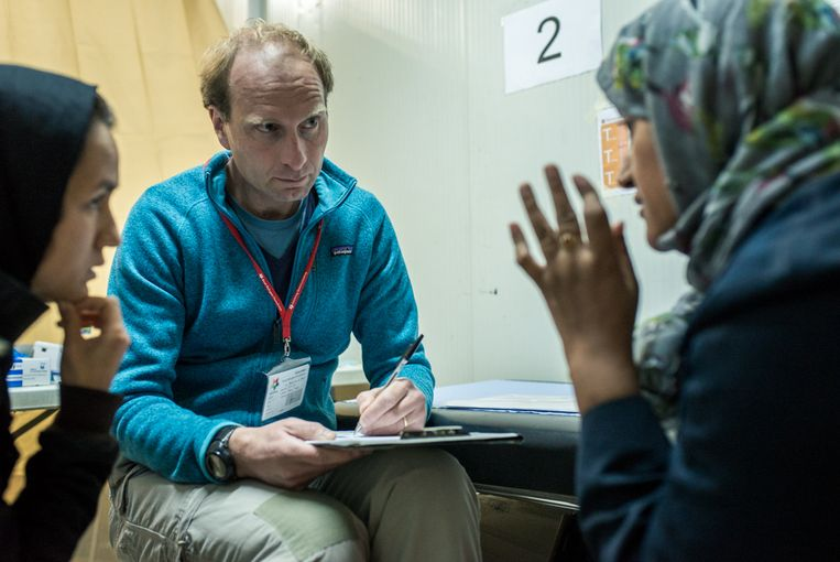Steven van de Vijver: 'In de afgelopen tien jaar zijn er heel veel keuzes gemaakt die tegen de mede-menselijkheid ingaan' Beeld Tessa Kraan/ Stichting Bootvluchteling