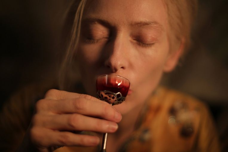 Only lovers left alive Beeld