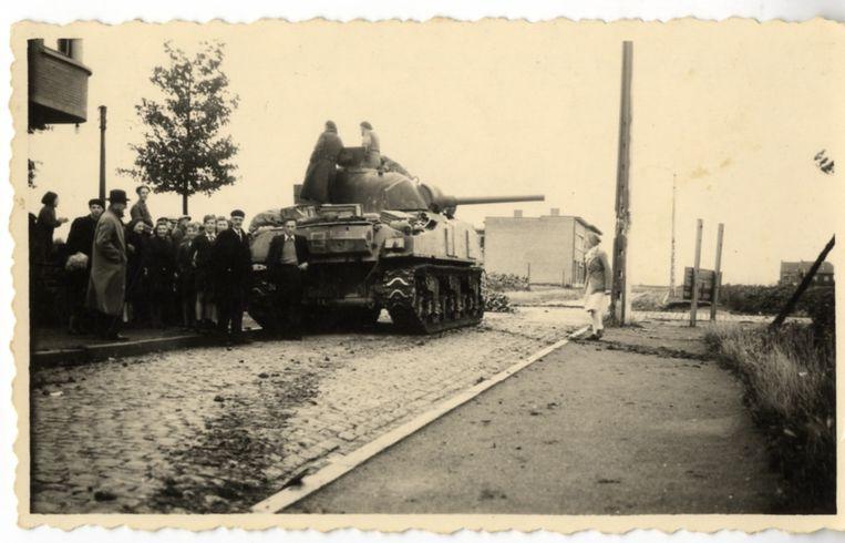 De eerste Poolse tank in Roeselare aan café 't Rustoord.
