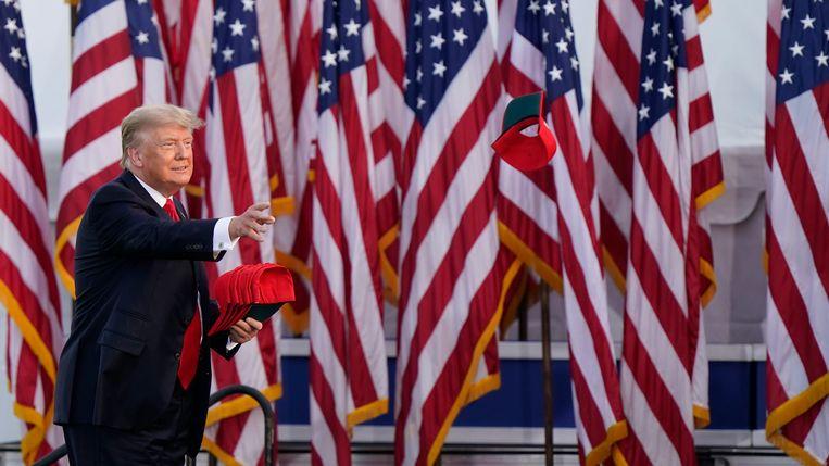 Voormalig president van de Verenigde Staten Donald Trump tijdens zijn speech in Wellington (Ohio). Beeld AP
