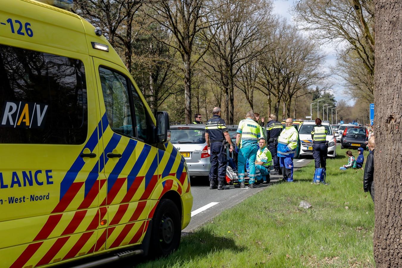Twee ongelukken op de Vijf Eikenweg in Dorst zaterdag