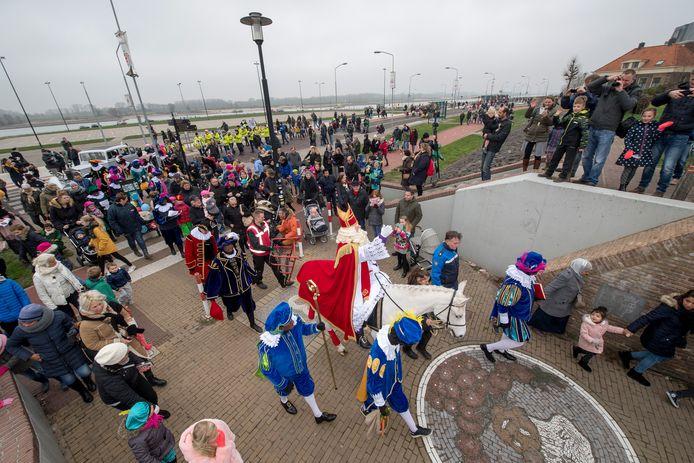 Dit jaar geen traditionele intocht van Sinterklaas op de Waalkade in Tiel, zoals in 2018.