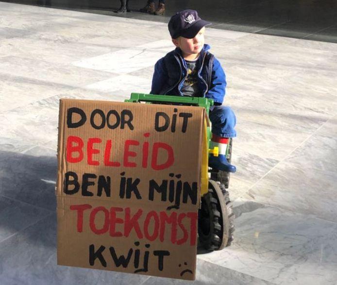 Jonge bijdrage aan het boerenprotest in Den Bosch.