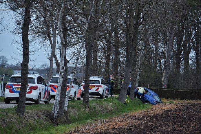 Automobilist belandt met auto in de sloot in Haghorst.