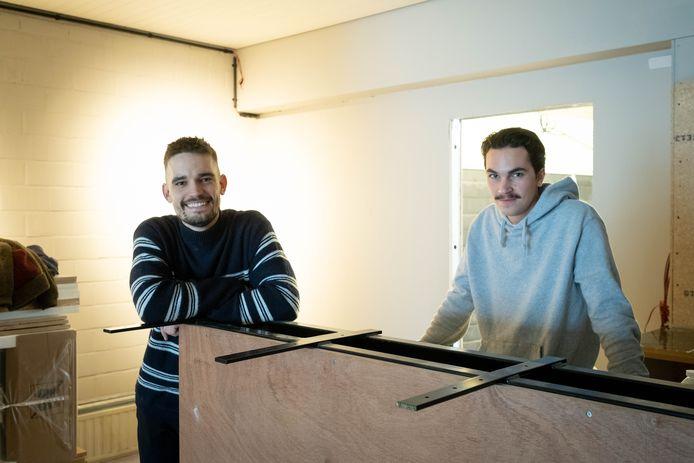 De cocktailbar van Yochen Verbeeck en Diego Verbrugghe is nog in opbouw maar ze verzorgen al wel meeneemcocktails