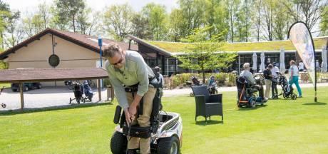 MS-patiënt Jan uit Dalfsen dacht nooit meer te kunnen golfen: met een beetje hulp lukt het nu tóch
