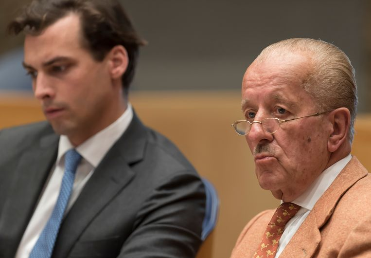Theo Hiddema en Thierry Baudet in de Tweede Kamer. Beeld Brunopress