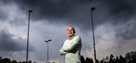 Dirk Bosveld slaat jongensvoetbalboek OVC'85 dicht: 'Hadden een geweldige ploeg'
