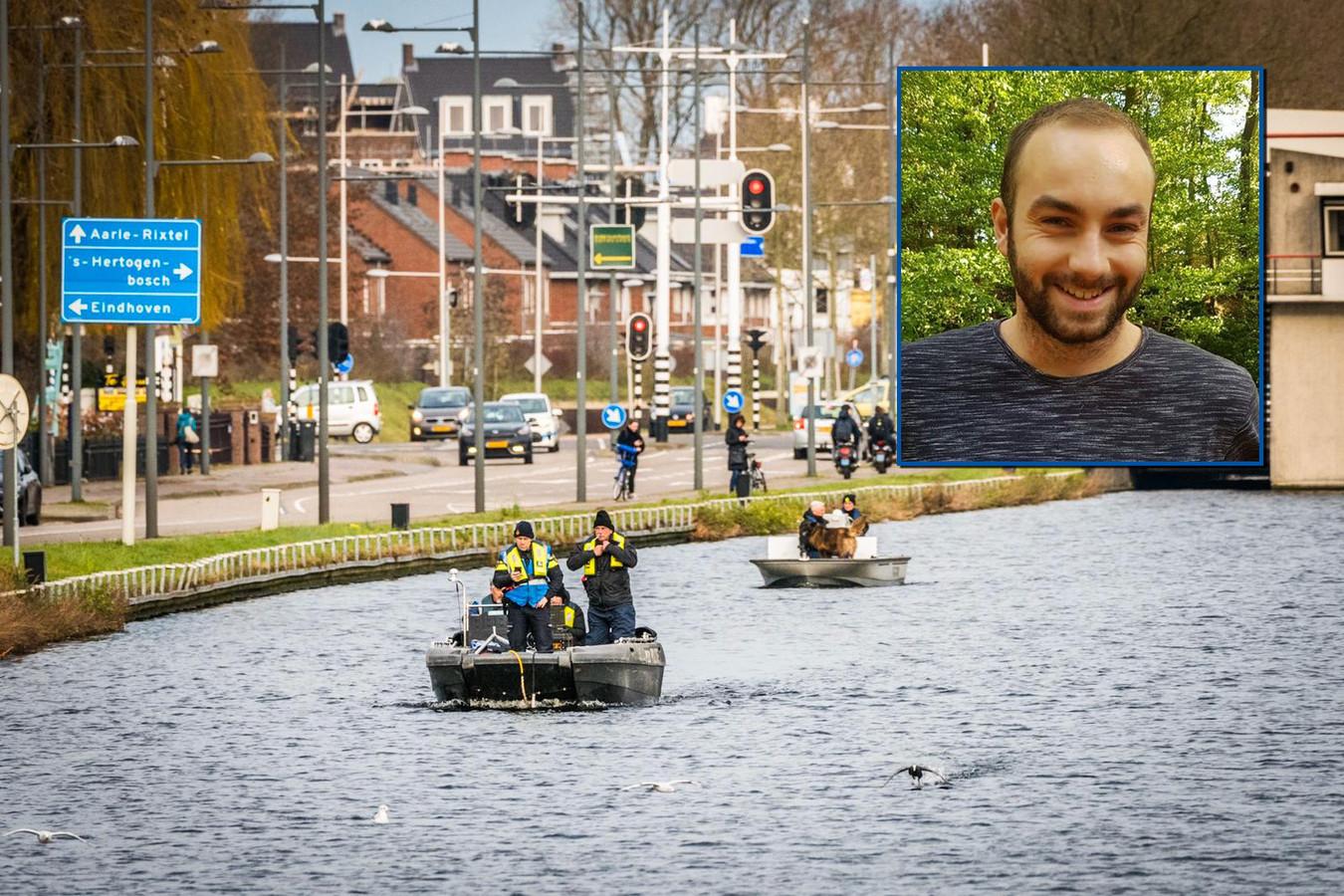 Met verschillende vaartuigen wordt in het kanaal in het centrum van Helmond gezocht naar de vermiste Flynn.