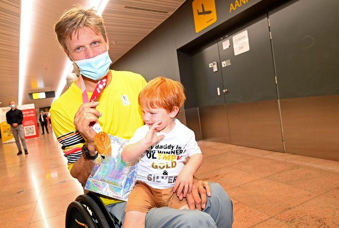 Peter Genyn en zijn zoontje Vico.