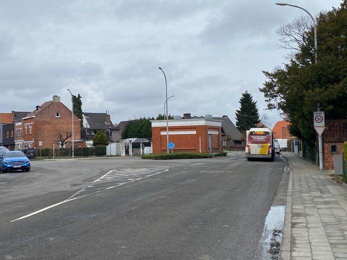 Door de werken zullen er twaalf parkeerplaatsen verdwijnen, maar het kruispunt zal er wel veel groener uitzien.