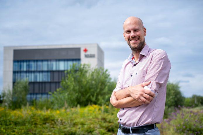 Eric Lippens en zijn bedrijf Results&More organiseren samen de Grootste Aula van Vlaanderen ten voordele van het Rode Kruis.