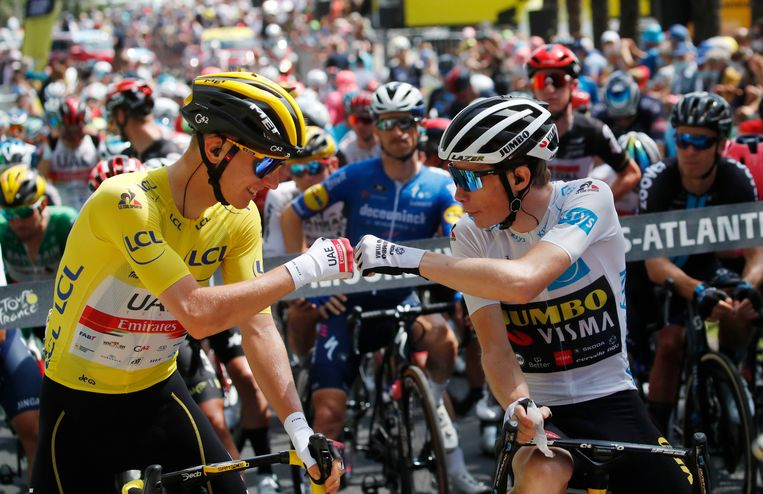 De twee jonge renners aan top van het klassement: Tadej Pogacar en Jonas Vingegaard. Beeld Reuters