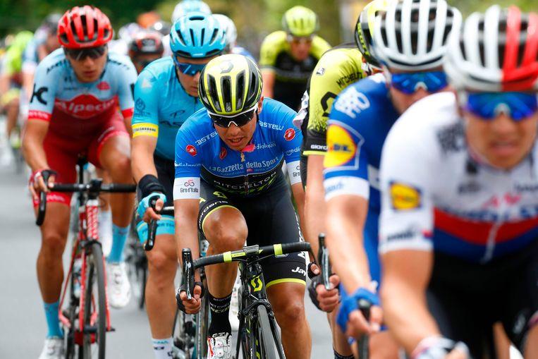 De Colombiaan Johan Esteban Chaves moest al lossen op de eerste klim van de dag. Wat volgde, was een vergeefse achtervolgingstocht. Beeld AFP