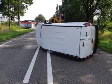 Opnieuw ongeluk op brokkenweg N18 bij Lichtenvoorde; bestelbus belandt op kant