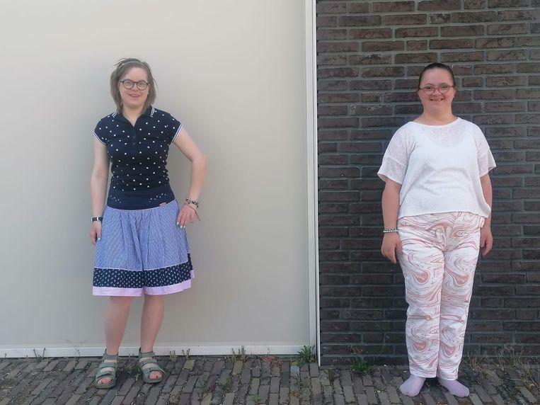 """Jaimy de Graaf (links) en Benthe vanWees: ,,We steunen elkaar."""" Beeld Tilburg Mediafonds"""