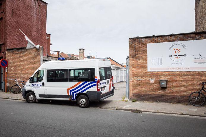 In de loods aan de Drongensesteenweg was vroeger het Gents Bakkershuis gevestigd.