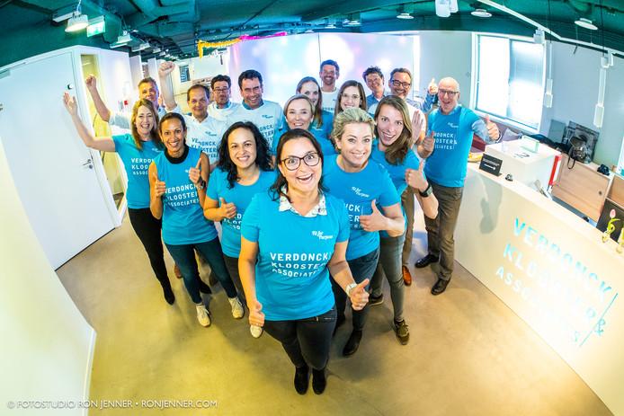 Dit team van ict-bedrijf Verdonck Klooster & Associates is (nagenoeg) klaar voor de Roparun.