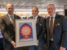 Van Veemarktkwartier tot Spoorzone: gemeentelijke ereprent voor Tilburgse bouwer van grote projecten