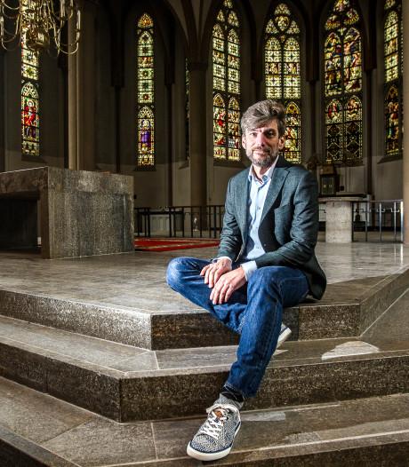 Tegenvaller voor nieuwe school in Deventer kerk: gebouw vol asbest