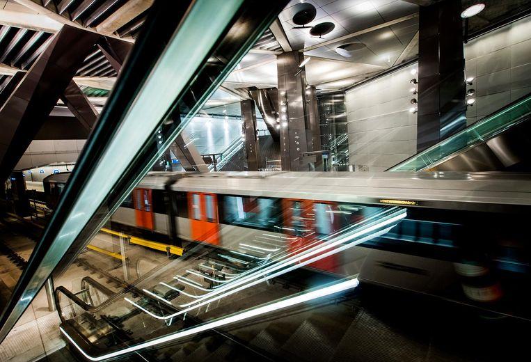 Amsterdam en de metropoolregio zouden er goed aan doen zich sterk te maken voor één nieuw groot infraproject voor de komende periode. Verlenging van de Noord/Zuidlijn heeft daarvoor de beste kaarten. Beeld anp