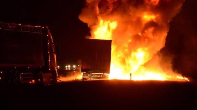 Truck met frituurolie in brand
