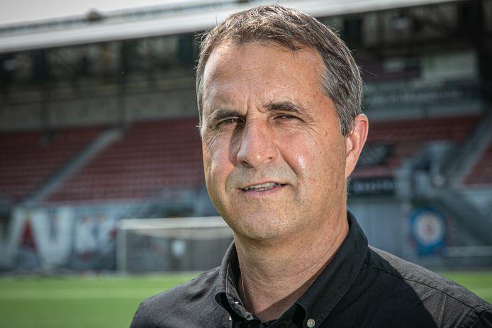 Ronny Van Geneugden is de nieuwe technisch manager bij MVV Maastricht.