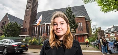 Eindexamen Nederlands in Oldenzaalse kerk begint met tekst over 'ghosting': 'Leuk om dit een keer mee te maken'
