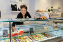 Ghila Weizman in haar winkel.
