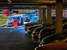 Probleem voor parkeergarages in Oost-Nederland: plek te klein voor steeds grotere auto