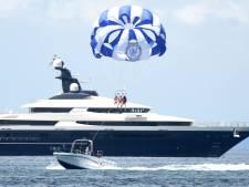 'Nederlands' superjacht met spa, bioscoop en gouden interieur te koop