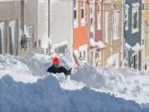 Sneeuw tot aan het plafond: Canadees leger helpt na extreme winterstorm